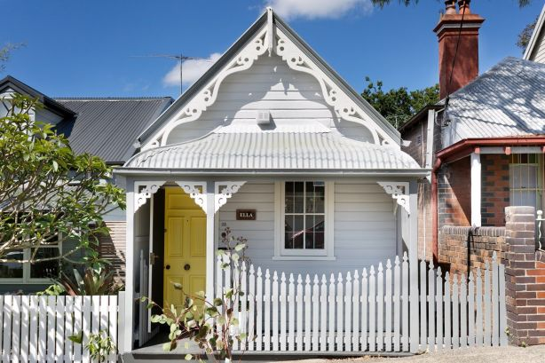 The facade of a period cottage