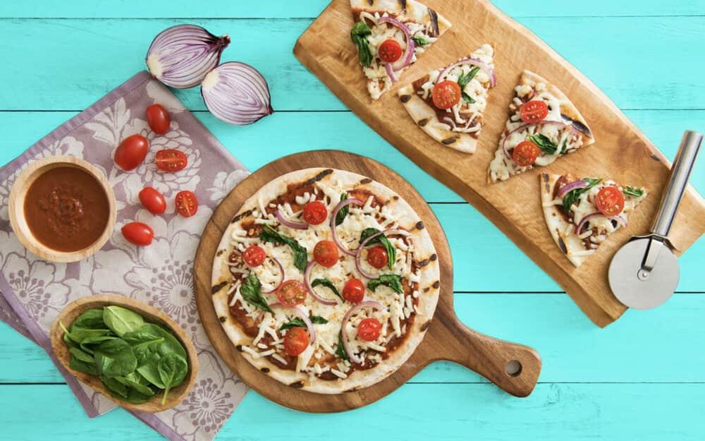 Butter Chicken Naan Pizza Recipe