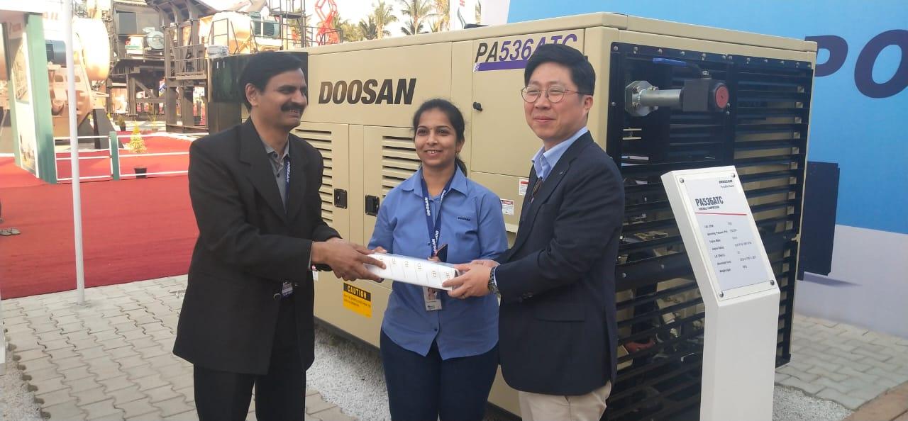 Rashmi Adhikari receives award