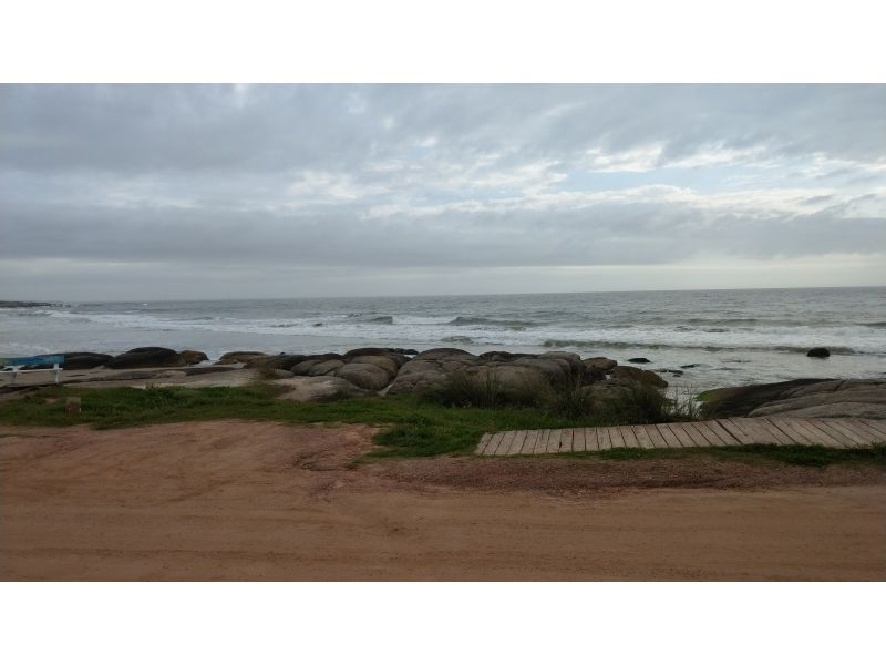 Rocha - Punta del Diablo///https://res.cloudinary.com/dopdgngem/image/upload/v1573297655/rifrxu27ztuhwutynezl.jpg//////