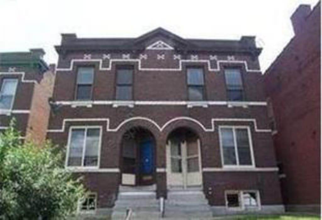 $65,000 St Louis. Block of 4 apartments. Great 22.4% net yield.