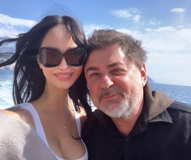 Александр Цекало с Дариной Эрвин проводят каникулы на яхте