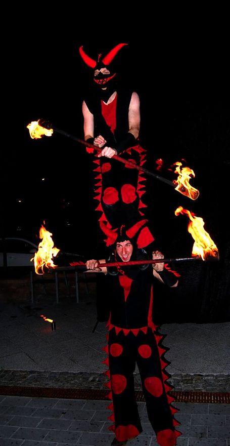 Tűzzsonglőr show