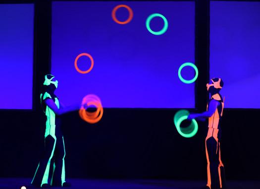LED zsonglőr show képek