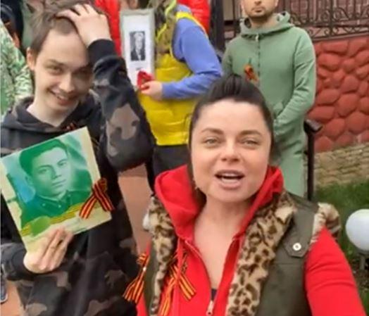 Королева роликом ко Дню Победы отвернула от себя поклонников: