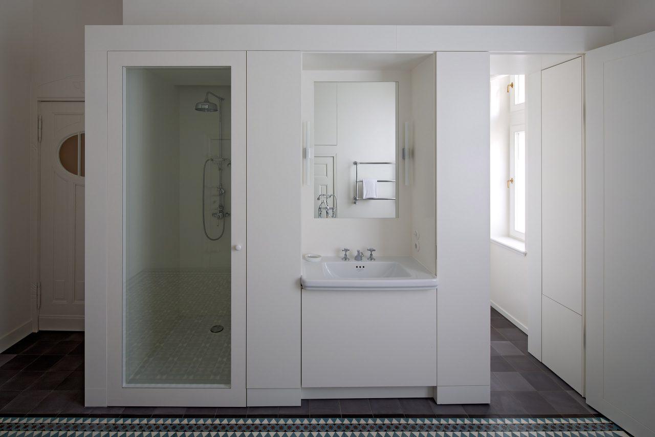 br njestyrra privat wohnung. Black Bedroom Furniture Sets. Home Design Ideas