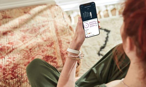 HERO Fitbit Luxe Lifestyle Meditation OTS Phone Lunar White 4797 Stress Management Premium