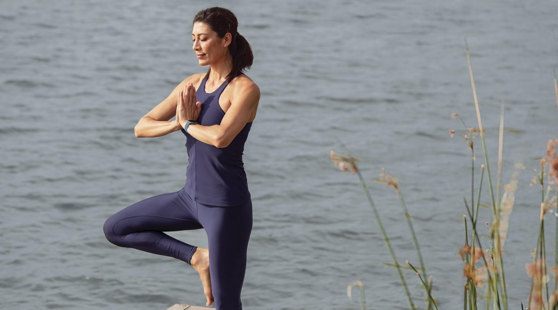 HERO Fitbit Sense Lifestyle Yoga Sapphire Sport MH 0241
