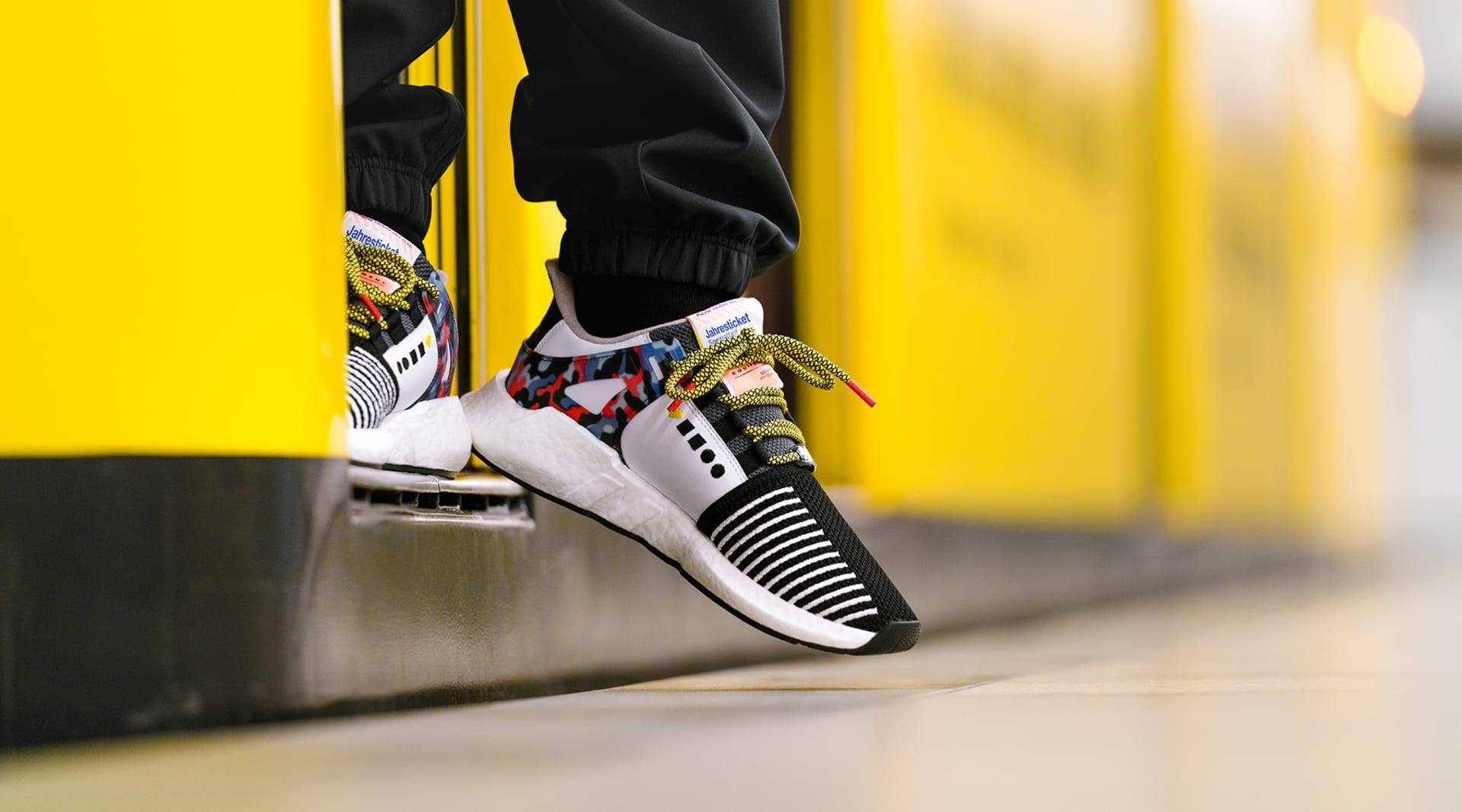 JWT BVG Schuh U Bahn