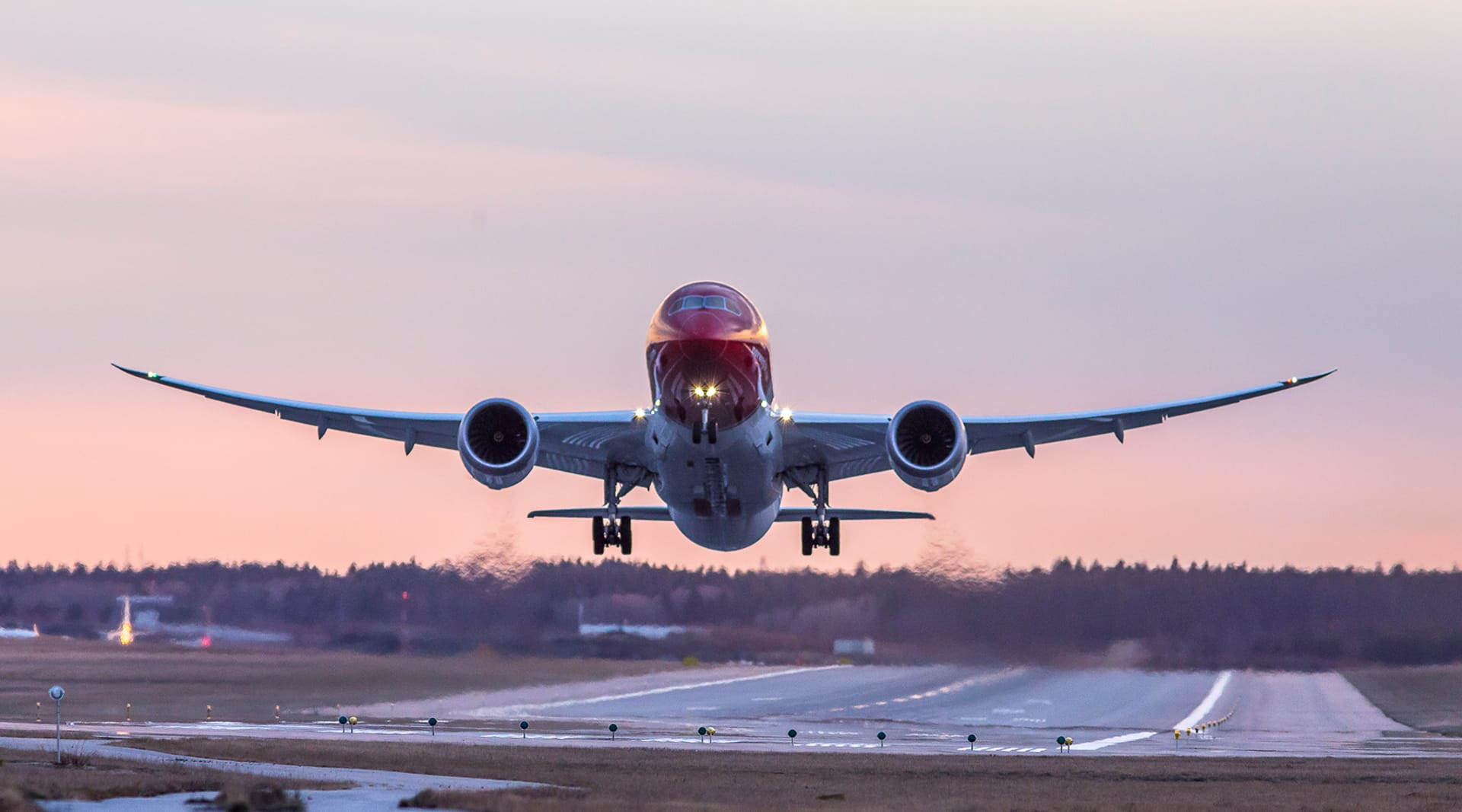 WEB Main787 Sunset departure 1741