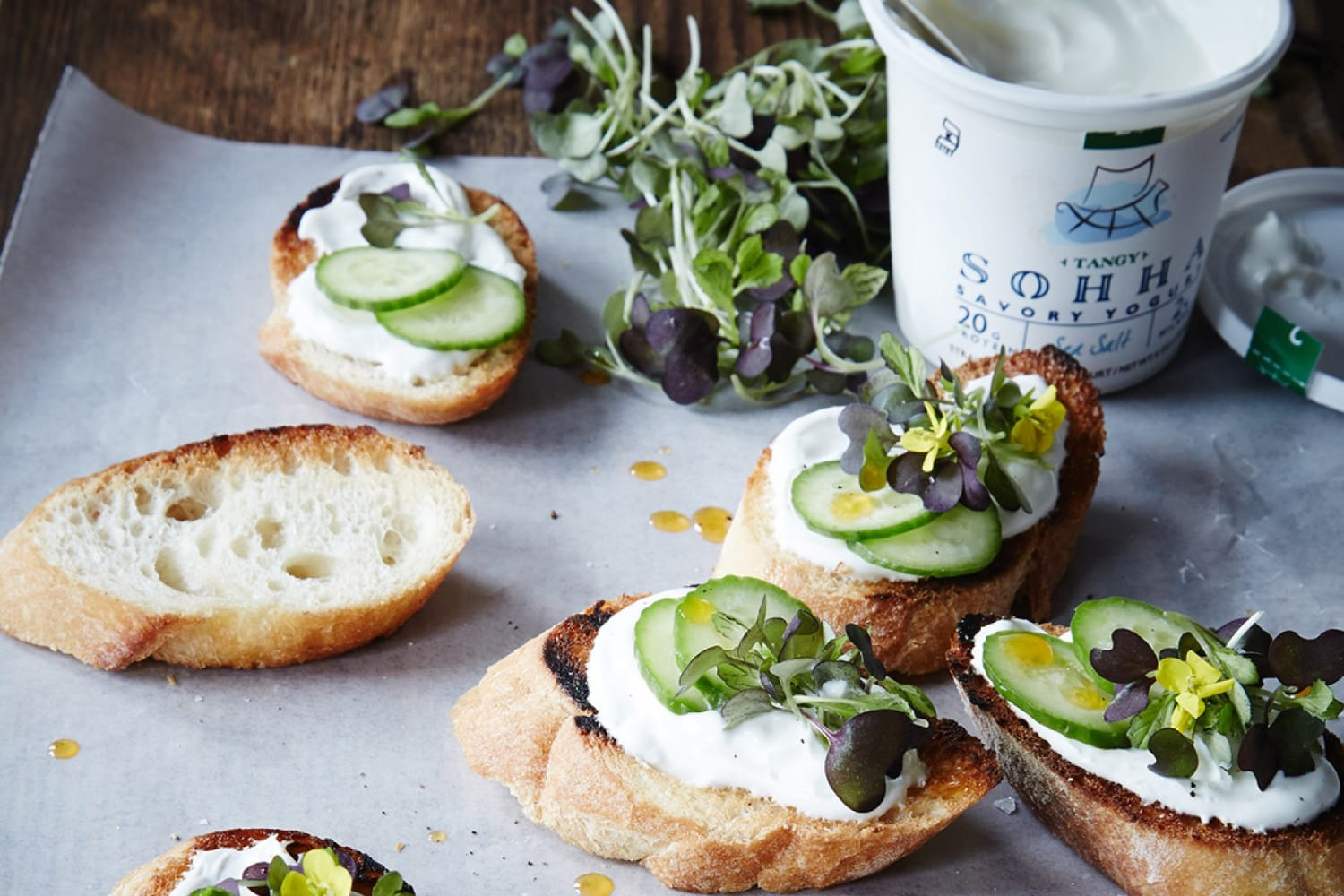WEB Bread Baguette With Greens 006