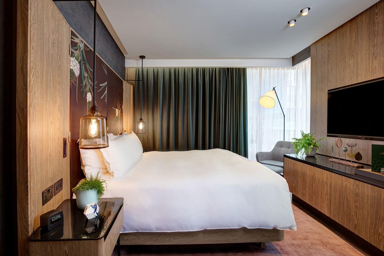 WEB bompass parr vegan suite hilton bankside interiors hotels london uk dezeen 2364 col 0
