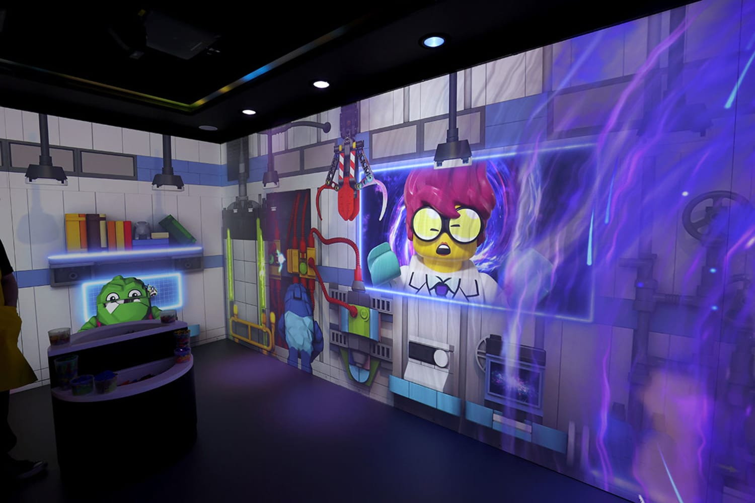 WEB The LEGO R Store Flagship on Fifth Brick Lab 001
