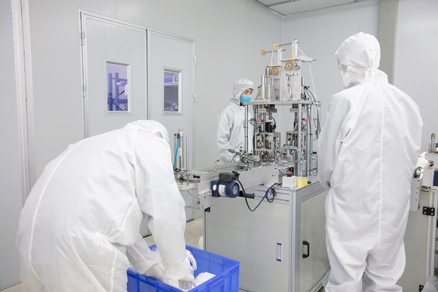 WEB Foxconn Production of surgical masks