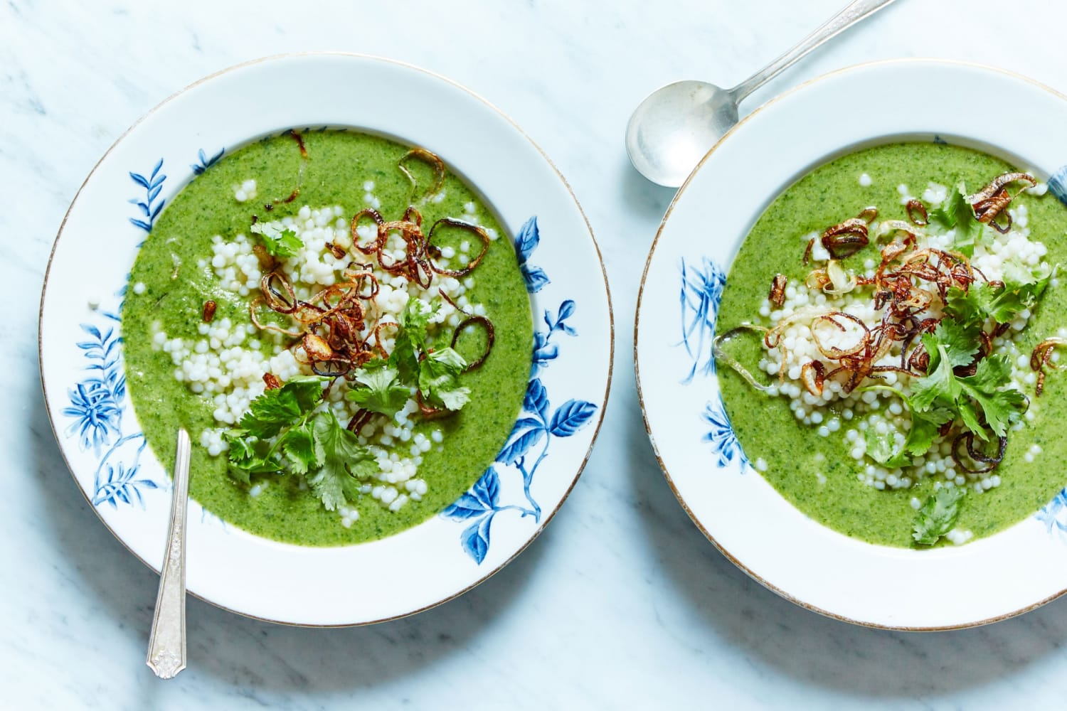 Marley Spoon Broccoli Coconut Soup with Spinach and Shallots
