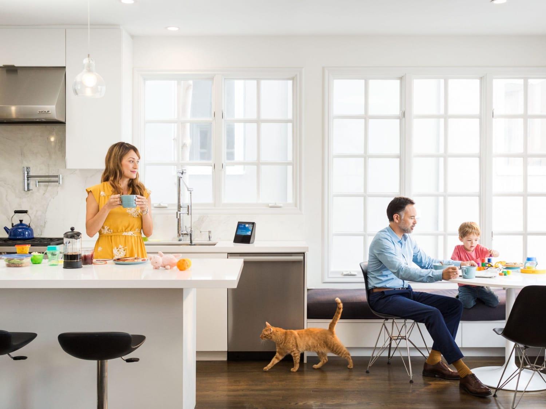 Amazon Echo Show Black Kitchen