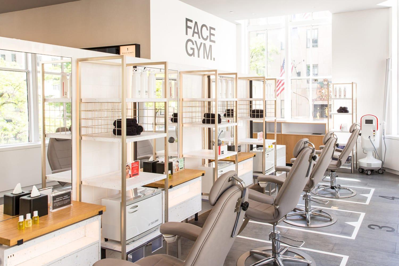 WEB Saks Fifth Avenue Face Gym