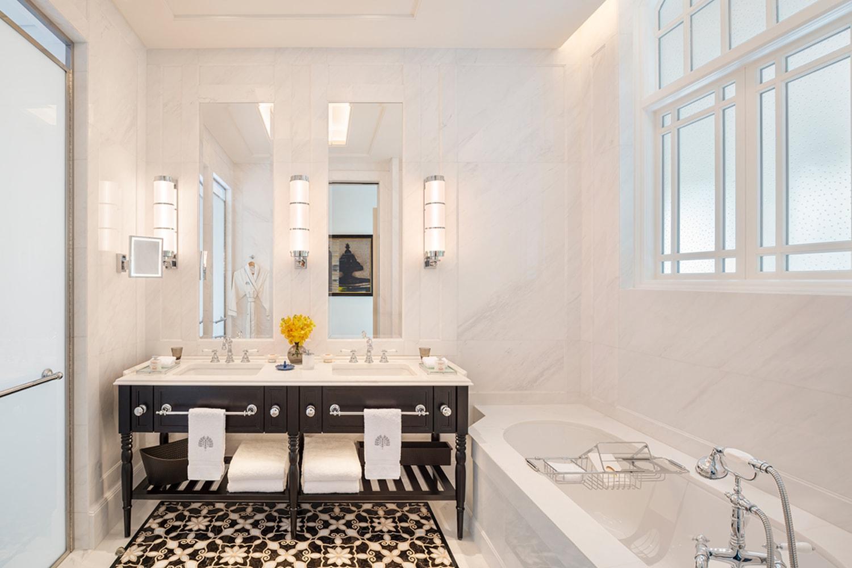 WEB State Room Suite Bathroom