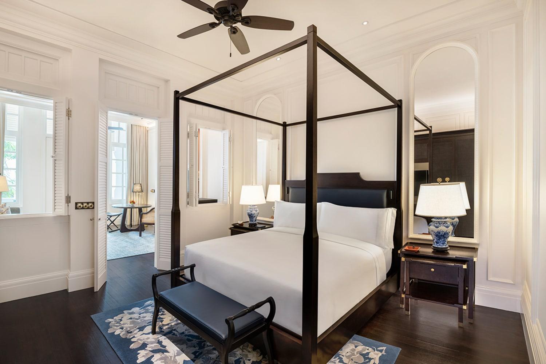 WEB State Room Suite Badroom