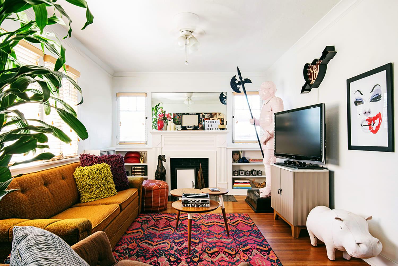 WEB Los Angeles 5383963 Living Room 2 JSL1