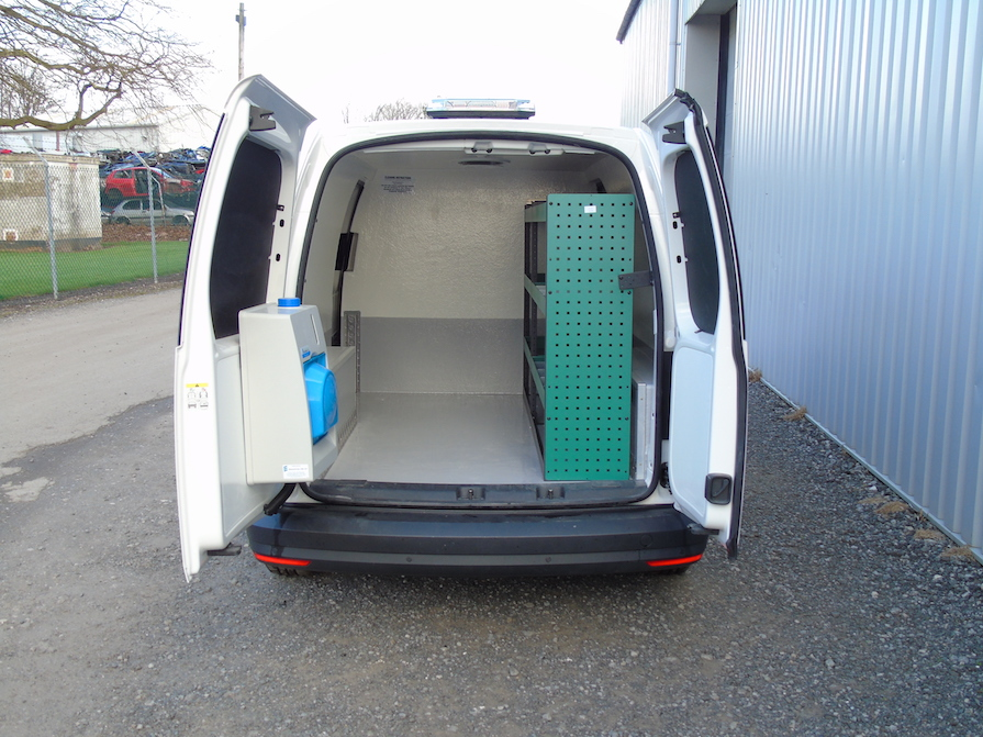 Volkswagen Caddy Maxi Hygienic Conversion: Code 043
