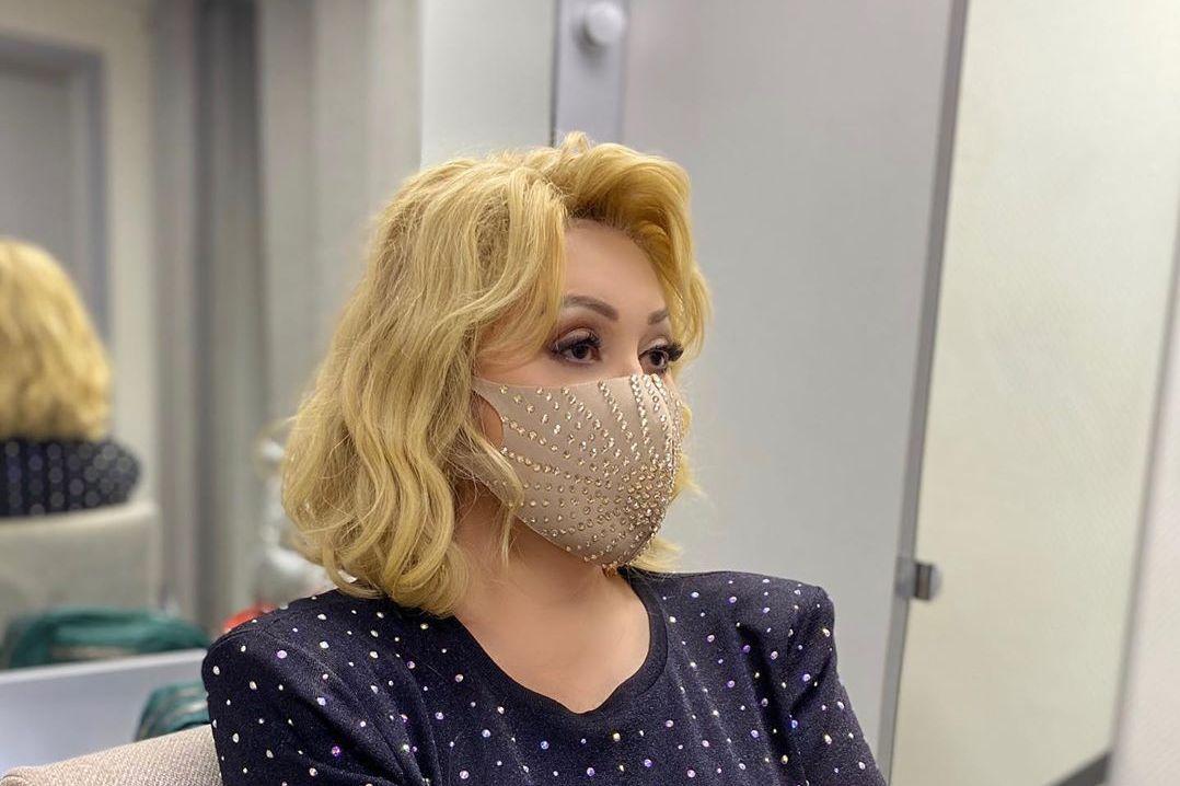 Успенская призналась, что располнела и начала курить