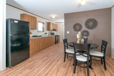 Advantage L37625 by Redman Homes kitchen and dining room