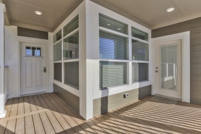 American Freedom 3266D porch