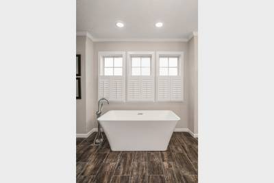 Ridgecrest optional Radiant Spa Bath