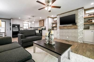 Champion Homes - Benton, Kentucky - Living Room