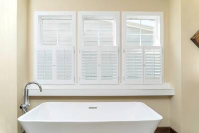Radiant Spa Bath, box-put windows