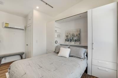 Urbaneer ADU by Genesis Homes - bedroom with Murphy bed