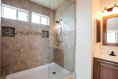 Silvercrest Craftsman, California - master bathroom