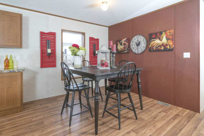 Advantage A35226 by Redman Homes dining room
