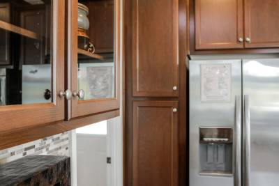 Silvercrest Kingsbrooks, California - kitchen cabinets and appliances