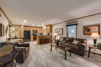 Advantage 1680 265 living room and kitchen