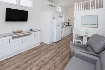1603 LC Living Room
