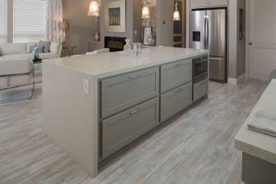 Silvercrest Kingsbrook, California - kitchen island