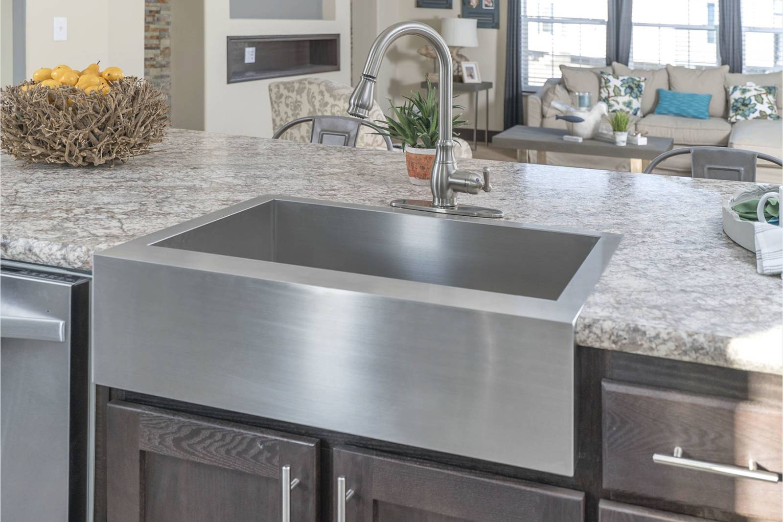 ... Steel Farmhouse Sink With Gooseneck Faucet ...