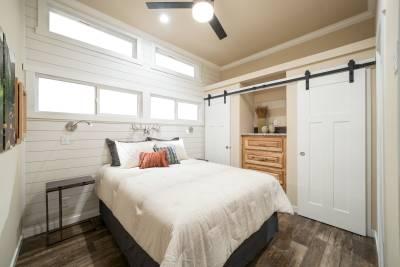 601 Bedroom
