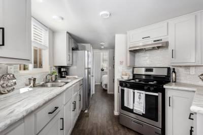 Royal 239 Kitchen