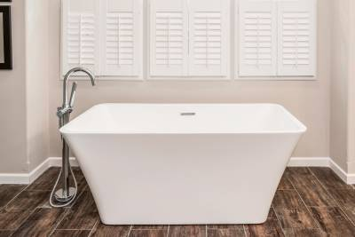 Radiant Spa Bath soaking tub