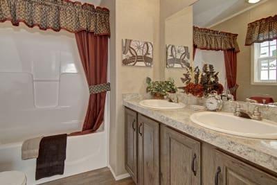 Titan Homes, Titan 602, master bath
