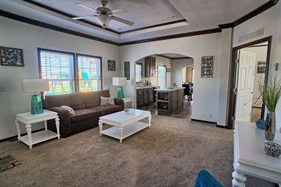 Arlington Special E839 living room