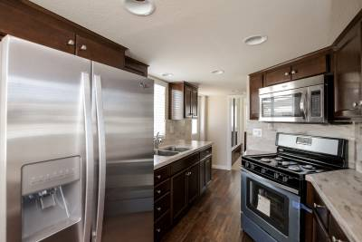 Silvercrest Sierra Limited, California - kitchen