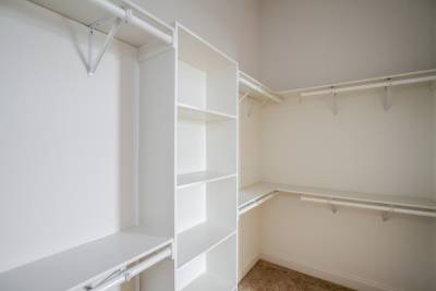 Silvercrest Craftsman, California - walk-in closet