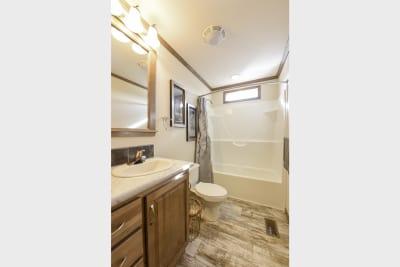 New Moon 3266 01 bathroom