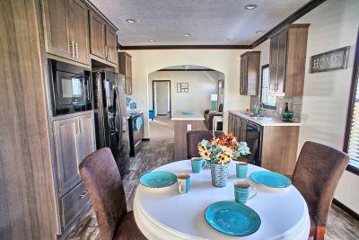 Arlington Special E839 dining room
