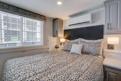 A905LE Bedroom