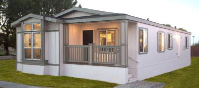 Manufactured and mobile home by Silvercrest Homes